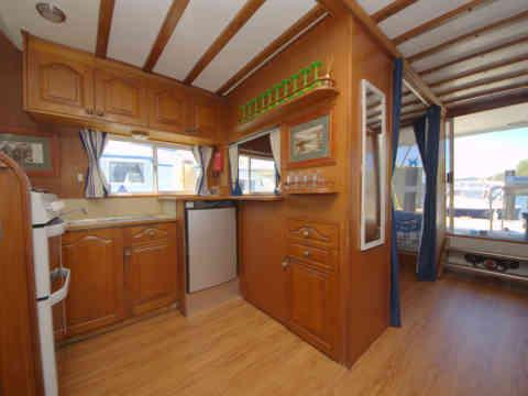 45 KS 3 Kitchen to Rear