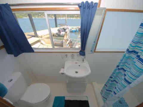 45 KS 5 Bathroom