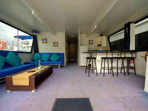 51 C 2 Lounge Kitchen