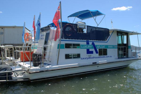 6 Berth Houseboat